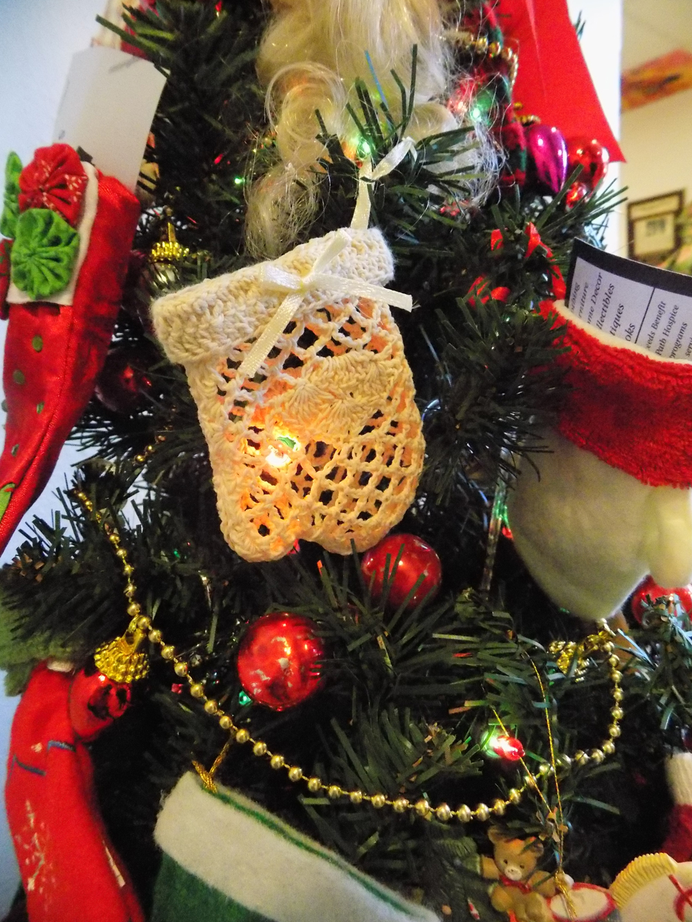 """""""Big Bear and Stockings"""" by LifePath Hospice"""