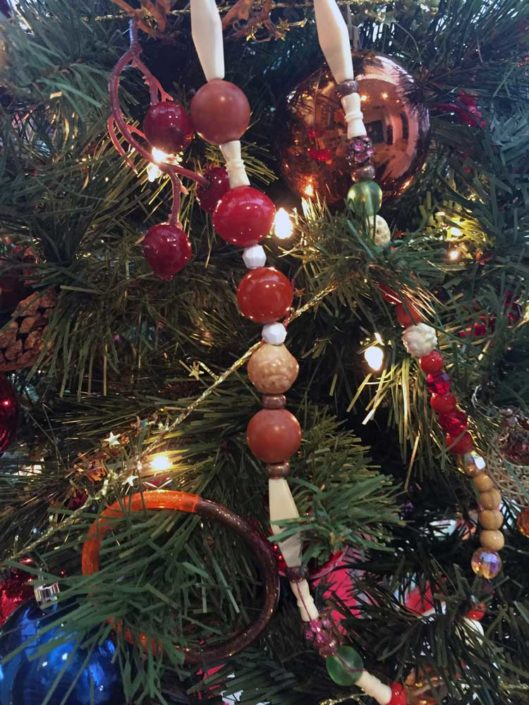 2018 Tree Display Bejeweled-by-LifeWay-Hospice2-web