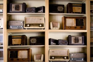 Vintage Radio Image by Rudy and Peter Skitterians from Pixabay